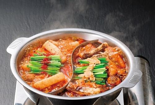 赤から鍋+黒から鍋が同時に楽しめる